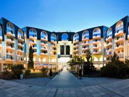 "Grand Hotel Sava****Superior <span class=""star""></span><span class=""star""></span><span class=""star""></span><span class=""star""></span>"